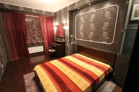 Сдается 2-комнатная квартира посуточно в Красноярске, ул. Шахтеров, 42.