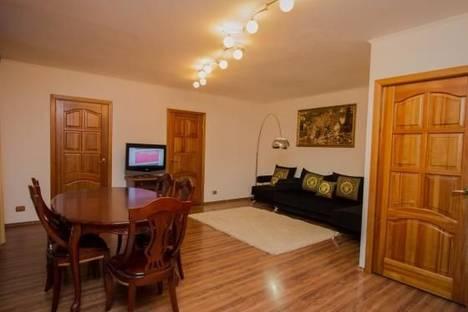 Сдается 3-комнатная квартира посуточно в Красноярске, ул. Карла Маркса 175.