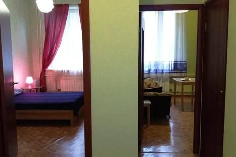 Сдается 1-комнатная квартира посуточнов Санкт-Петербурге, проспект Ударников дом 33.
