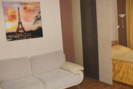 Сдается 1-комнатная квартира посуточнов Омске, ул. 10 лет Октября, 111.