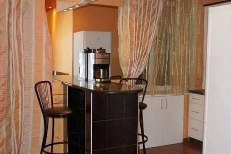 Сдается 1-комнатная квартира посуточнов Омске, Стачечная ул., 6.