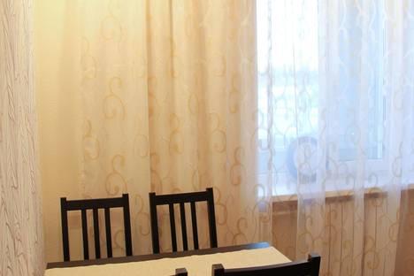 Сдается 1-комнатная квартира посуточно в Петрозаводске, Лесной проспект, 27.