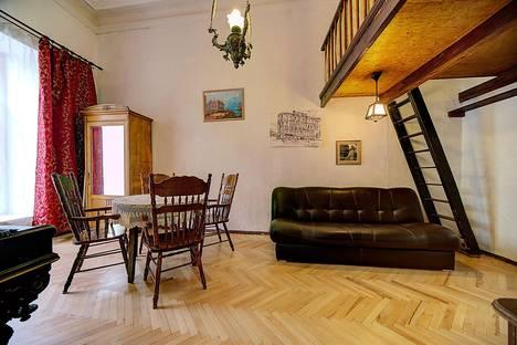 Сдается 2-комнатная квартира посуточнов Санкт-Петербурге, Большая Морская, 53/8.