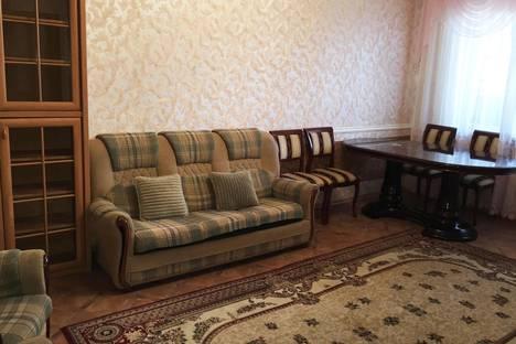 Сдается 3-комнатная квартира посуточно в Астрахани, ул. Ген.Герасименко, 8.