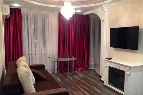 Сдается 2-комнатная квартира посуточно в Саки, ул. Ленина 38/12.