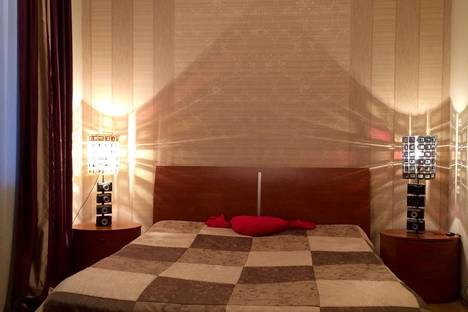 Сдается 3-комнатная квартира посуточно в Ярославле, Проспект Октября 28а.