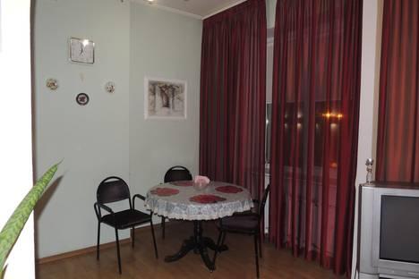 Сдается 2-комнатная квартира посуточно, Ленина, 33.