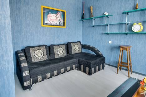 Сдается 1-комнатная квартира посуточнов Азове, ул.Большая Садовая, 120.