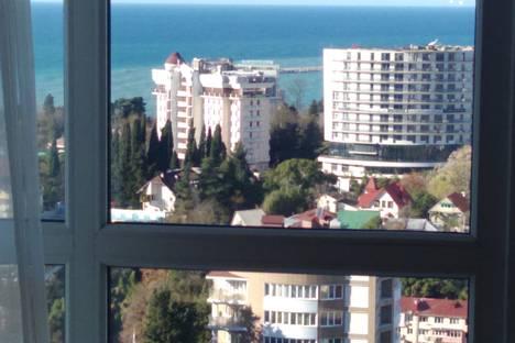 Сдается 3-комнатная квартира посуточно в Сочи, ул. Дмитриевой, 5.