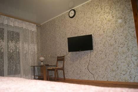 Сдается 1-комнатная квартира посуточно в Тобольске, ул. Знаменского, 19.