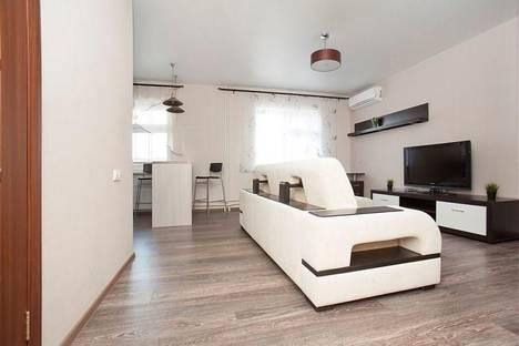 Сдается 1-комнатная квартира посуточнов Казани, Адоратского, 4а.