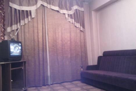 Сдается 2-комнатная квартира посуточно в Тулуне, ул. Суворова, 15.