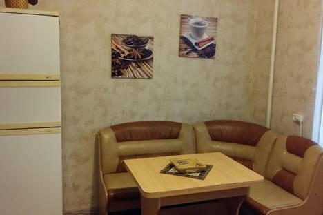 Сдается 2-комнатная квартира посуточнов Омске, Нефтезаводская, 13А.