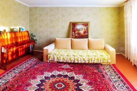 Сдается 3-комнатная квартира посуточнов Щелкином, 3-й микрорайон, 91/1.