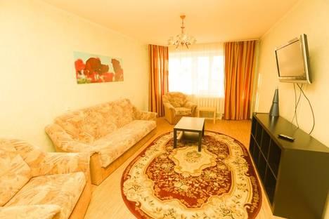 Сдается 2-комнатная квартира посуточнов Тюмени, ул. Сакко, 30.