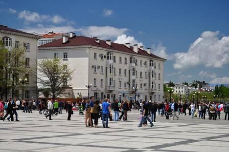 Сдается 2-комнатная квартира посуточнов Крымске, ул. Набережная им Адмирала Серебрякова, 1.