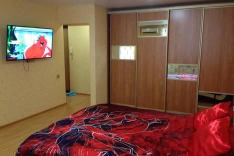 Сдается 1-комнатная квартира посуточнов Саратове, ул. им Рахова В.Г., 96.