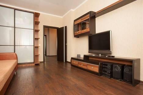Сдается 2-комнатная квартира посуточно в Казани, ул. Чистопольская, 71а.