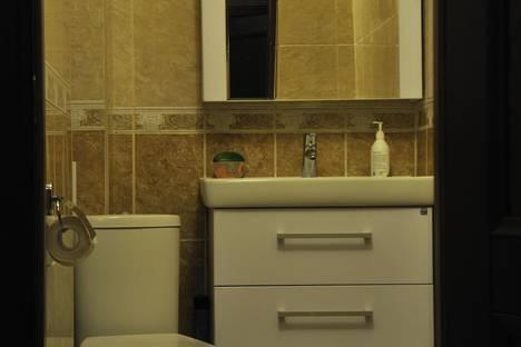 Сдается 2-комнатная квартира посуточно в Ханты-Мансийске, ул. Строителей, 102.