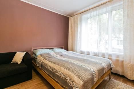 Сдается 2-комнатная квартира посуточнов Пушкино, ул. Авиационная, 5.