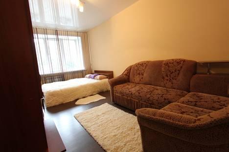 Сдается 1-комнатная квартира посуточно в Кемерове, ул. Весенняя, 21а.
