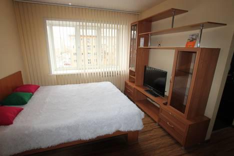 Сдается 1-комнатная квартира посуточно, ул. Рукавишникова, 7.