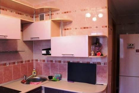 Сдается 2-комнатная квартира посуточно в Кемерове, ул. Красная, 10б.