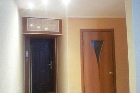 Сдается 2-комнатная квартира посуточнов Назарове, ул. 30 лет ВЛКСМ, 59а.