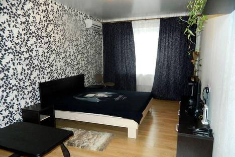 Сдается 1-комнатная квартира посуточно в Набережных Челнах, проспект Мира, 9/42.
