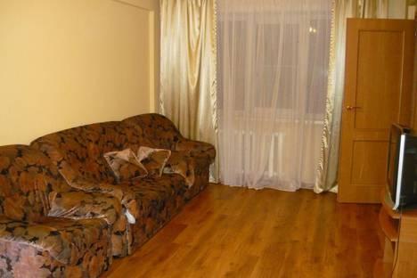 Сдается 3-комнатная квартира посуточно в Улан-Удэ, ул. Профсоюзная, 42.