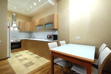 Сдается 2-комнатная квартира посуточнов Томске, ул. Трифонова, 22.