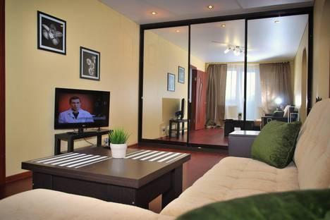 Сдается 2-комнатная квартира посуточно в Златоусте, 3 линия 10.