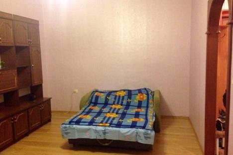 Сдается 1-комнатная квартира посуточнов Череповце, ул. Гагарина, 18.
