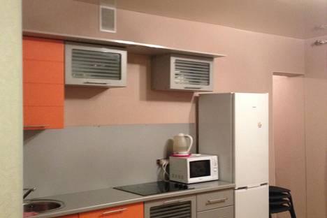 Сдается 3-комнатная квартира посуточно в Кстове, ул. Парковая, 13.