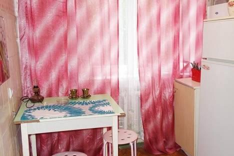 Сдается 2-комнатная квартира посуточнов Дзержинске, ул. Строителей, 10а.