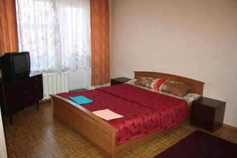Сдается 1-комнатная квартира посуточнов Зеленой поляне, Магнитогорск, Октябрьская 36.