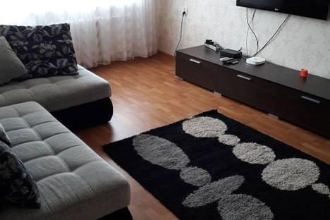 Сдается 2-комнатная квартира посуточнов Балакове, ул. Факел Социализма 16.