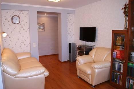 Сдается 2-комнатная квартира посуточно в Зеленой поляне, Магнитогорск, ул.Труда 19.