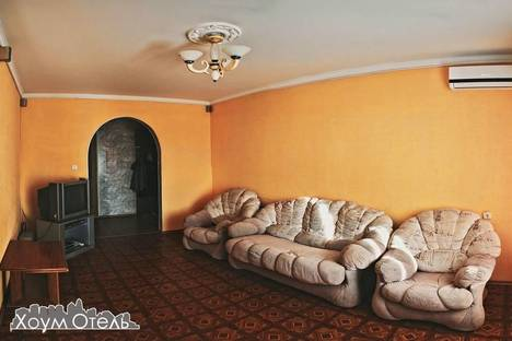 Сдается 3-комнатная квартира посуточнов Оренбурге, Комсомольская 124/1.
