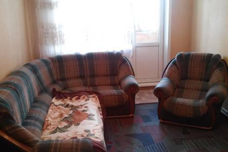 Сдается 2-комнатная квартира посуточнов Орске, пер. Театральный 1.