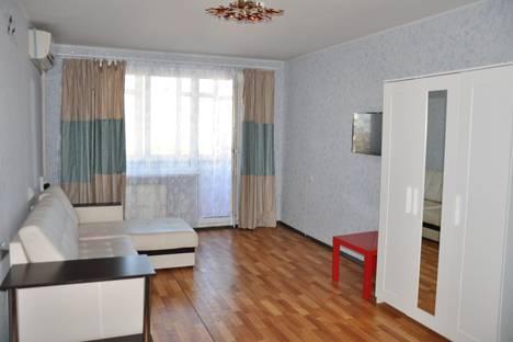 Сдается 2-комнатная квартира посуточно в Краснодаре, уральская, 168.