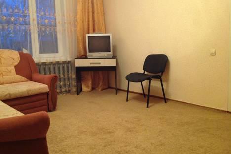 Сдается 1-комнатная квартира посуточно в Ухте, проезд Строителей 19.