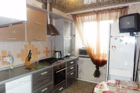 Сдается 3-комнатная квартира посуточнов Оренбурге, ул. Чкалова, д. 3/1.