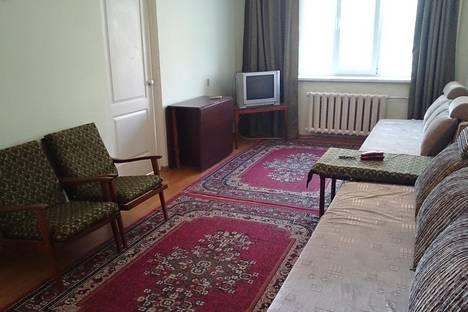 Сдается 2-комнатная квартира посуточно в Алматы, ул. Байтурсынова, 90.