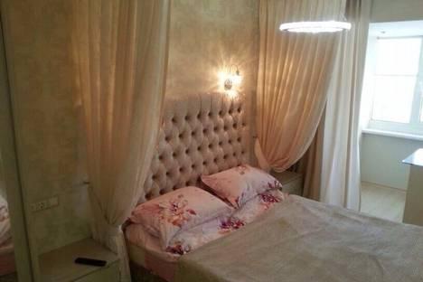 Сдается 2-комнатная квартира посуточно в Набережных Челнах, Сююмбике, 28.