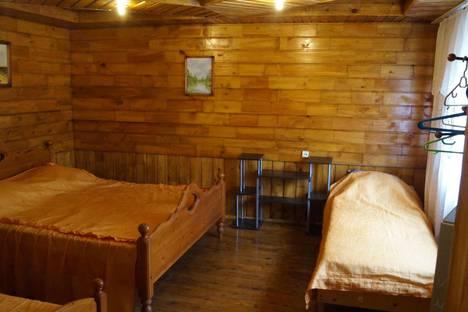 Сдается 1-комнатная квартира посуточно в Сочи, ул. Санаторная, 25.