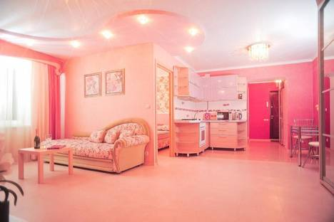 Сдается 2-комнатная квартира посуточно, ул. Суворова,151.