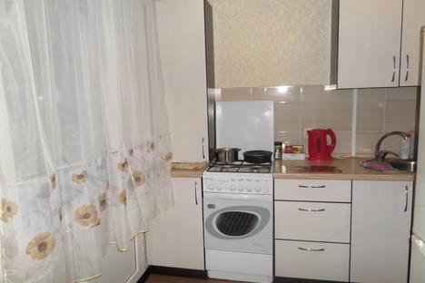 Сдается 1-комнатная квартира посуточнов Чебоксарах, Московский проспект, 7.