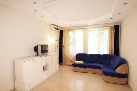 Сдается 1-комнатная квартира посуточно в Ялте, ул. Гоголя/Заречная 16.
