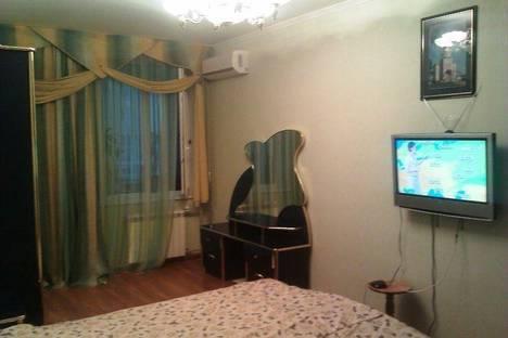 Сдается 2-комнатная квартира посуточно в Белгороде, б. Народный,90.